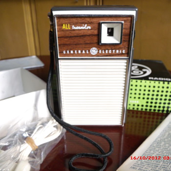 Three Nice Transistor Radio&#039;s in Original Boxes 