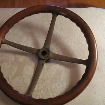 Early Wood Steering Wheel...Car ?? Train ?? Other