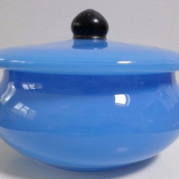 Loetz sweet dish with lid - Art Glass