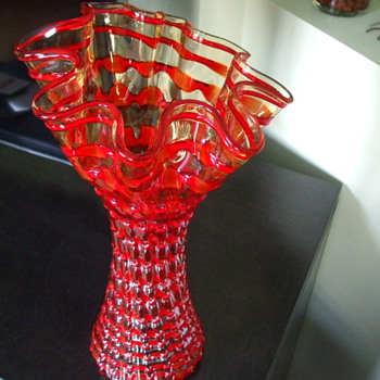 Is This a VENINI GLASSWORKS Vase ? - Art Glass