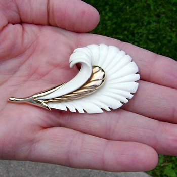 Monet Feather Plume Enamel Brooch