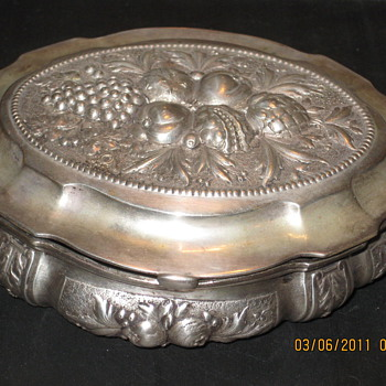 800% of 1000% Silver trinket box - Sterling Silver