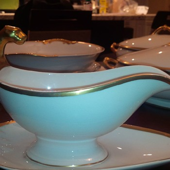 Limoges Gravy boat with panther head?