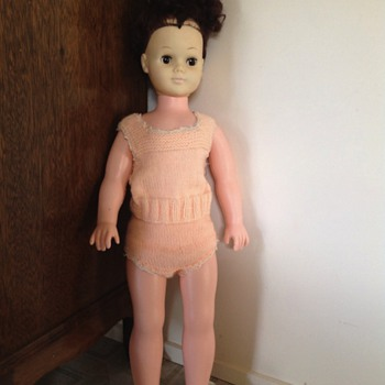 Walking Doll -Uneeda Doll Co. inc  - Dolls