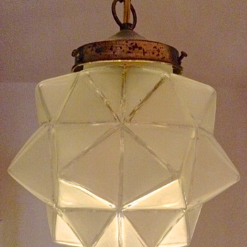 BEAUTIFUL THICK GLASS (MORAVIAN STAR?) CEILING PENDANT