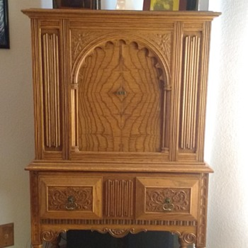 """Masterpiece Radio Cabinet called the """" Orleans """""""