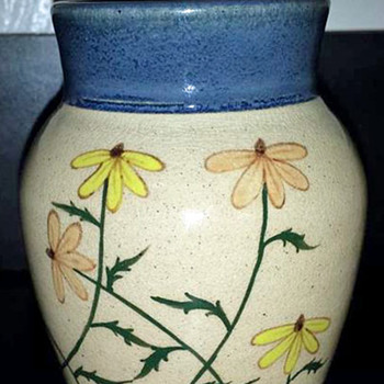 Small Southern Flower Vase - Art Pottery