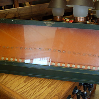 1930s Remington Dupont Counter top Knife Display Case
