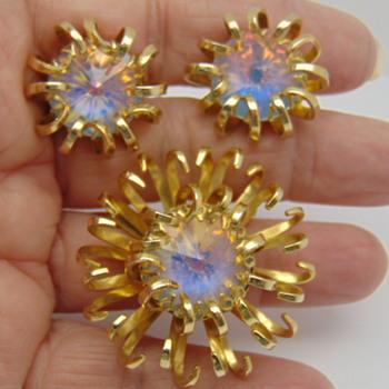 Mid-Century Opaline Rivoli Pin & Earring Set - Costume Jewelry