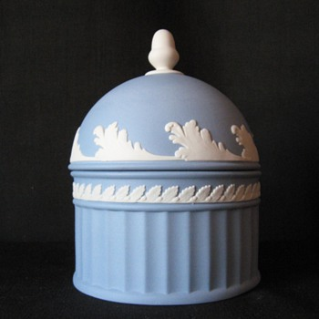 WEDGWOOD ENGLAND - China and Dinnerware