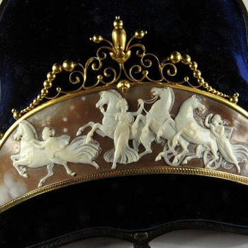 Fabulous tiara of horses of the dawn