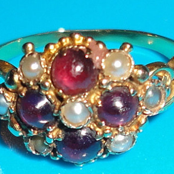 VICTORIAN Georgian MOURNING RING with hair 18 kt gold rubies and pearls - - Victorian Era