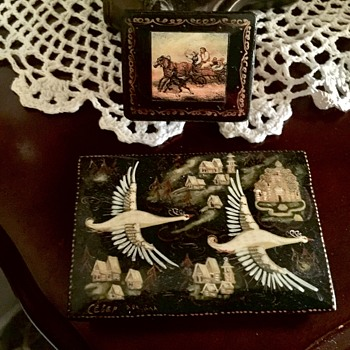 Two little Russian trinket boxes - Furniture