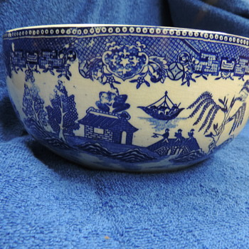 Moriyama Blue Willow Stacking Bowls