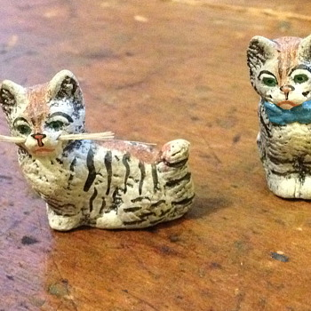 Antique ceramic kittens - Art Pottery