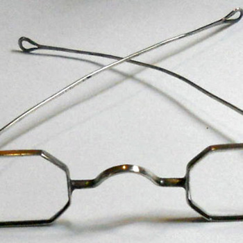 Antique Eyewear - Wearing the Beauty of the Past