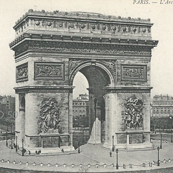 PARIS – L'ARC DE TRIOMPHE.