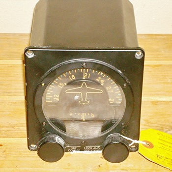 1945 Sperry Gyroscope Turn Indicator - Military and Wartime