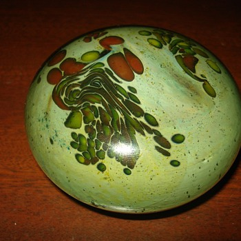 Paperweight Unknown Maker - Art Glass