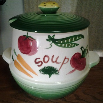 Vintage Soup Pot - Art Pottery