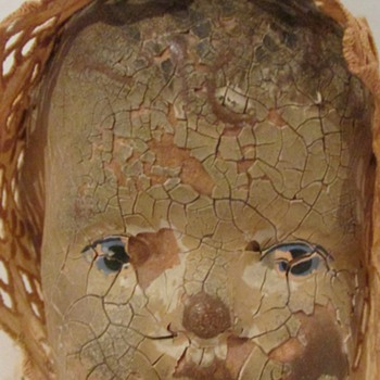 Any ideas on this sad doll? - Dolls
