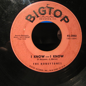 "Big Top Records #2 45 rpm in 1958 of ""I know I know"" -- ""Dont look now---but"" - Records"