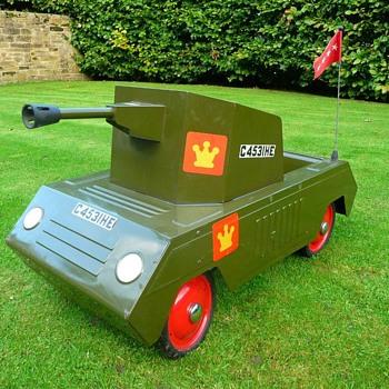 1960s Tri-ang Tank  - Model Cars