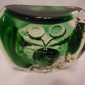 Molten/Pressed Glass - Owl?   - Art Glass