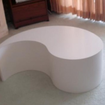 Teardrop/raindrop shaped Coffee table  - Mid-Century Modern