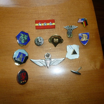 Vintage Military Pins - Military and Wartime