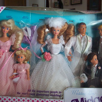 Midge's Wedding Party Gift Set (Barbie's best friend) - Dolls