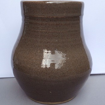 Vintage studio stoneware pot - Art Pottery