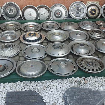 Hubcaps Collection - Classic Cars