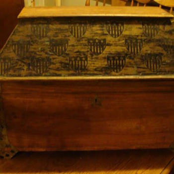 Ditty Box?  - Furniture