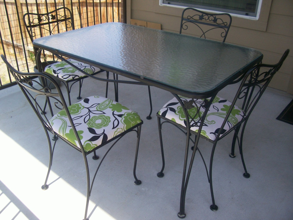 Salterini 5 piece wrought iron patio table and chairs for Outside table and chairs