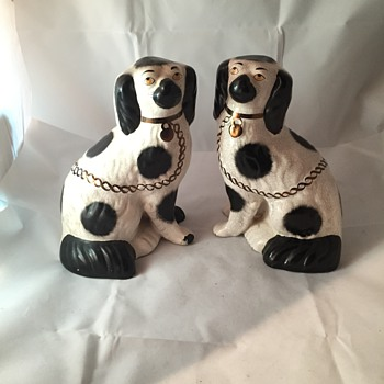 Antique Staffordshire Spaniel Dogs  - Figurines