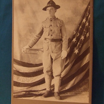 Cabinet card of Bugler of 16th Infantry - Photographs