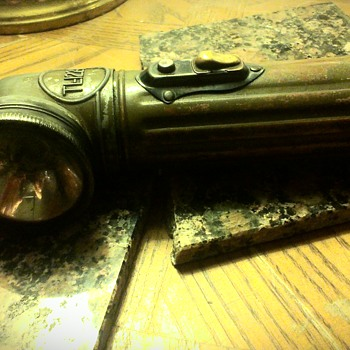My Tl-122-A ww2 flashlight (USA lite model)