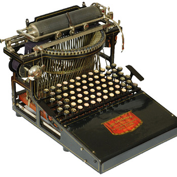 Caligraph typewriter - 1882 - American Writing Machine Co., New York