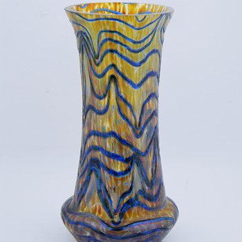 Art Nouveau Kralik Blue On Gold Vase  - Art Glass