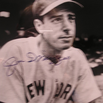 Joe DiMaggio Autographed Photo - Baseball
