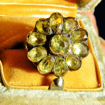 Antique Georgian Green Chrysoberyl Flower 18k Silver Ring - Fine Jewelry