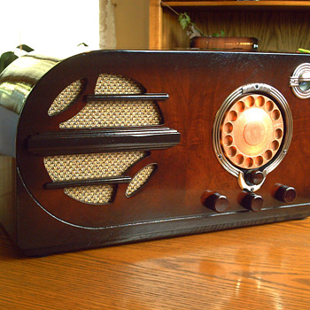 1937 montgomery wards airline - Radios