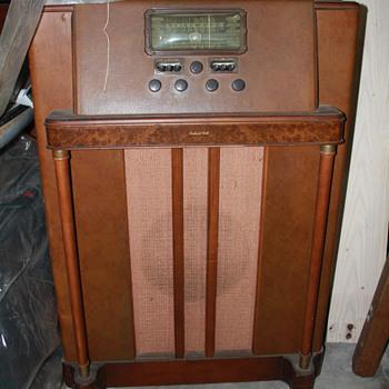 Packard Bell Radio - Radios
