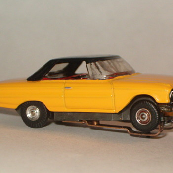 THUNDERJET H.O. FORD GALAXIE YELLOW