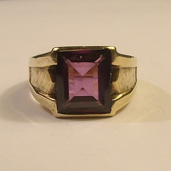 Vintage Men's 10k Ring from the 1950's - Fine Jewelry