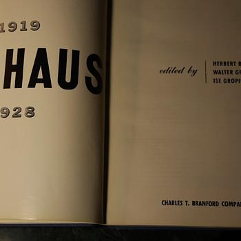 Bauhaus 1919-1928: Bauhaus Weimar 1919-25. Dessau 1925-28 - Books