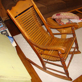 early pennsylvania rocker - Furniture