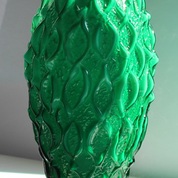 Green Art Deco vase Bohemian ? - Art Glass