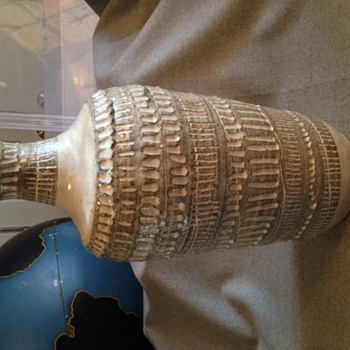 Studio pottery vase ? - Art Pottery